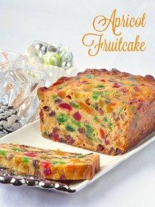 Apricot-Fruitcake